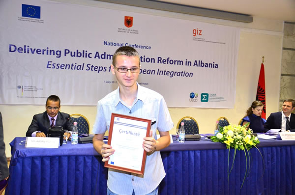 Studenti Eduart Qatja vlerësohet me çmim kombëtar