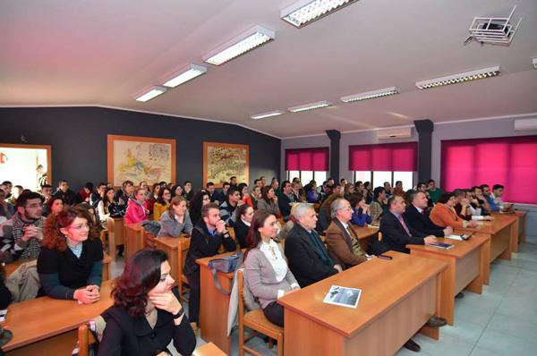 Znj. Harito inkurajon të ardhmen e IT-së shqiptare