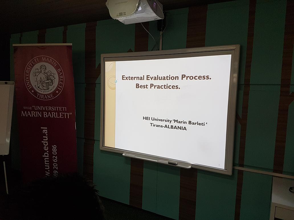 Tryeza e Rrumbullakët mbi rëndësinë dhe sfidat e procesit të akreditimit në institucionet e arsimit të lartë në Shqipëri.