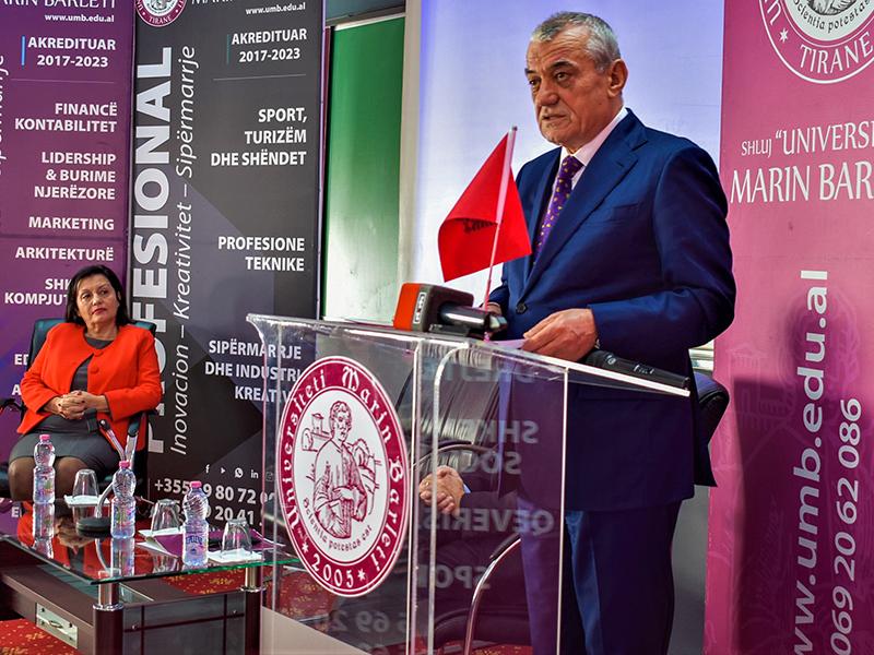 """Ceremonia e dhënies së bursave, """"100 vjet Parlamentarizëm"""