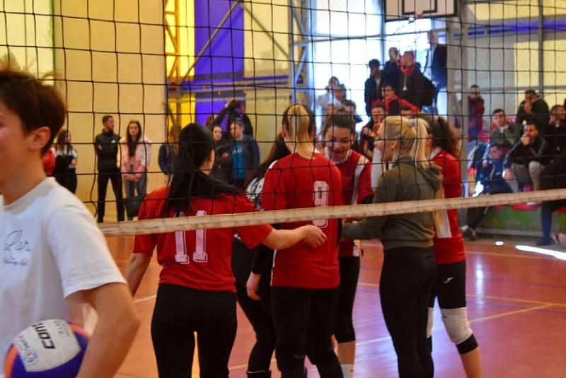 Ndeshja e volejbollit Kampusi 1-Kampusi 2