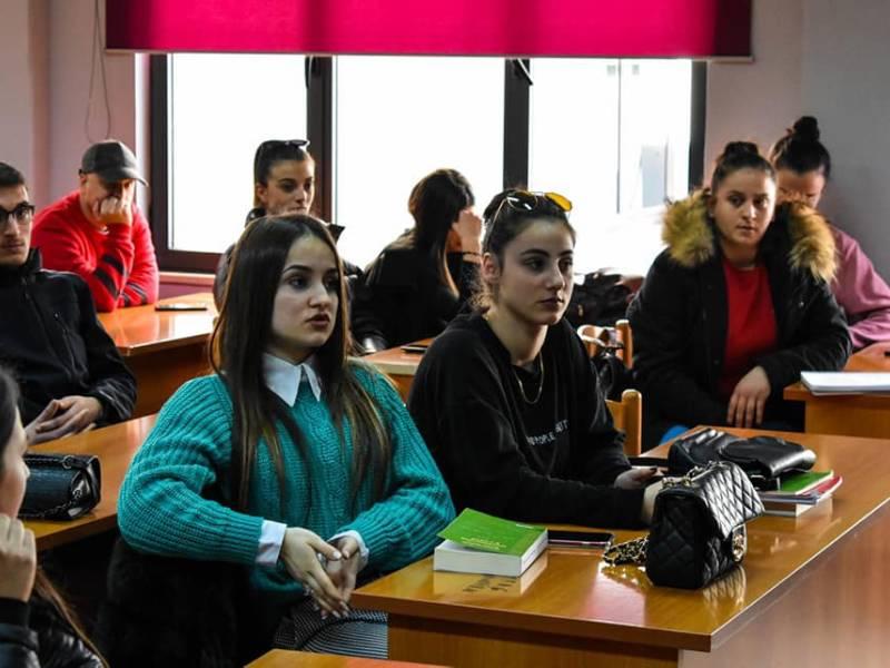 Mbledhje e Dekanit të Studentëve me senatorët e Kampusi 1