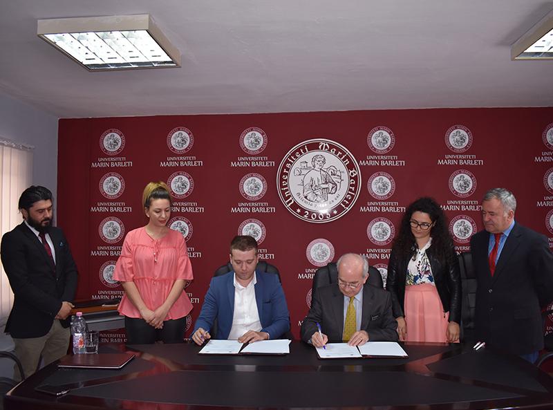 """Marrëveshje Bashkëpunimi midis Universitetit """"Marin Barleti"""" dhe Drejtorisë së Përgjithshme të Arkivave"""