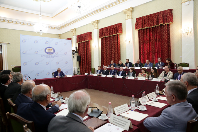 Kryetari i Kuvendit, z. Gramoz Ruçi, nënshkroi marrëveshjet e bashkëpunimit me 24 universitete e qendra kërkimore.