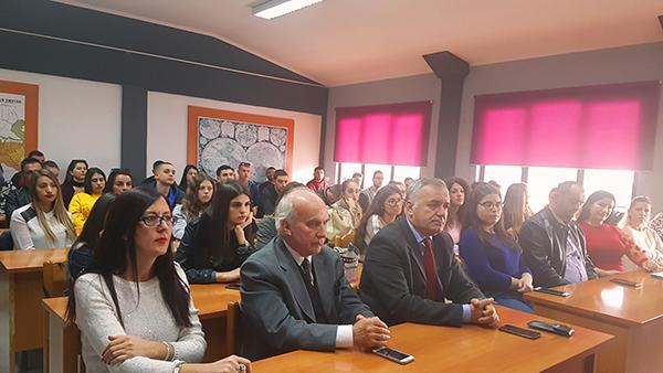 Ambasadorja e Republikës së Shqipërisë në SHBA, bisedë me Barletasit