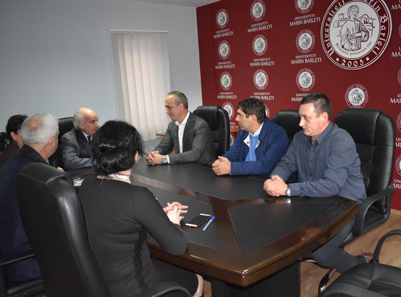 """Vizitë në mjediset e SHLUJ """"Universiteti Marin"""" e përfaqësuesve të Komunës Kërçovë, Maqedoni"""
