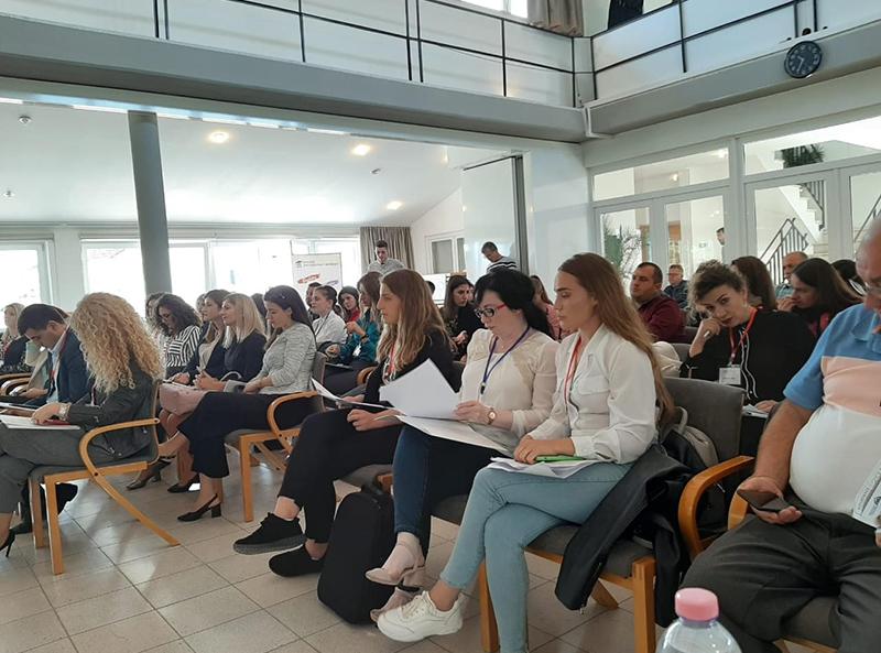"""Konferenca e dytë studentore """"Problemet, sfidat dhe risitë mbi zhvillimin dhe rritjen e mirëqenies në Shqipëri"""""""